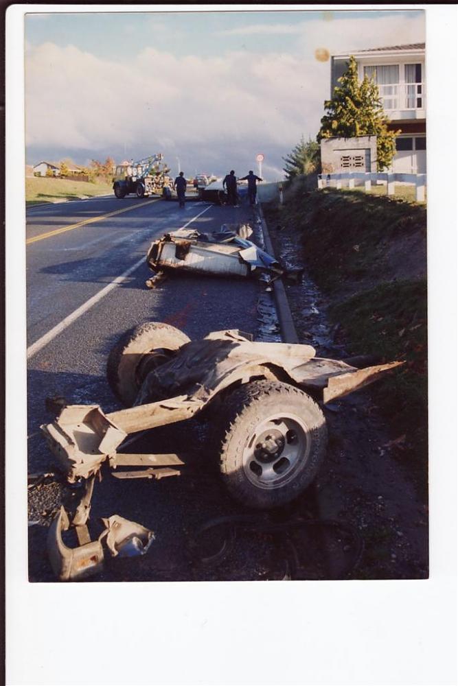 Click image for larger version.  Name:car crash (Custom).jpg Views:105 Size:79.0 KB ID:13366